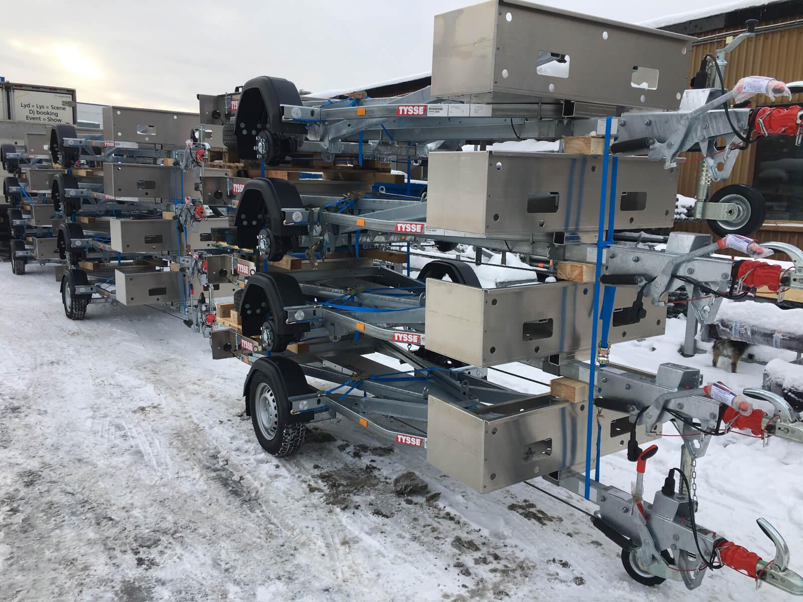 Våre stillashengere blir levert ferdig omregistrerte og klar til bruk.